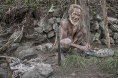 Stone Age (Kurima #Papua #Indonesia) #asia baliem civilization dani elderly forest indonesia jungle kurima machete papua people portrait stone street tabacco tool travel trekking tribu val #photo #photography #fliiby #images #yyazilim #people #nature
