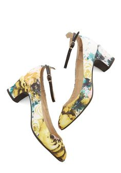 Make a Scene Heel. When you step onto the stage in these floral heels by Seychelles, all the energy is bound to turn to you! #gold #prom #modcloth