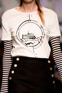 MaxMara naval tee at Milan Spring 2016 (Runway Closeup Photos)