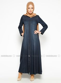 Asya Pardesü Lacivert Fermuarlı Kot Pardesü | Devr-i Tesettür Abaya Fashion, Muslim Fashion, Modest Fashion, Fashion Outfits, Womens Fashion, Modest Outfits, Cool Outfits, Abaya Designs, Hijab Chic