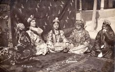 FEMALE TYPES OF SAMARKAND, the beginning of XX century. From the collection of Boris Golender. Source photo: Marakanda FB.