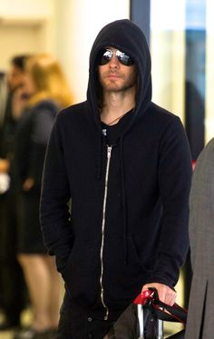 Jared  at LAX, 16th November 2013