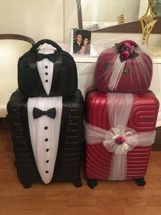 Indian Wedding Gifts, Creative Wedding Gifts, Desi Wedding Decor, Wedding Stage Decorations, Engagement Decorations, Wedding Crafts, Best Wedding Gifts, Bridal Gift Wrapping Ideas, Wedding Gift Baskets