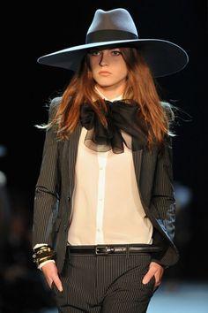Yves Saint Laurent Women – Powerful and Feminine – Fashion Style Magazine - Page 5