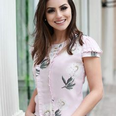 887 Likes 29 Comments Mein Style, Outfit Trends, Indian Designer Wear, Business Attire, Casual Street Style, Look Cool, Dress Patterns, Blouse Designs, Casual Looks