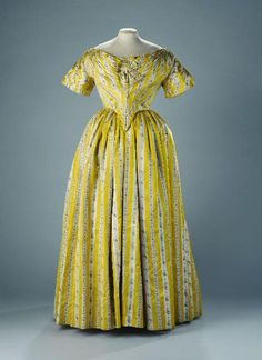 Evening dress, 1840's From the Musée Galliera