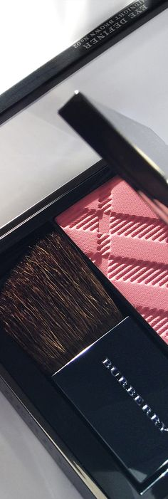 Eye colours in rose pink shades that enrich the skin and remain vibrant all day - English Rose from Burberry Make-up for S/S14