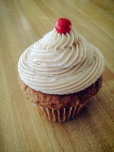 Kansas City Cupcake Co - Featured this week is a Cinnamon Apple Spice: moist apple spice cake topped with a brown sugar cinnamon buttercream.