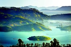 The hill country of Sri Lanka perfectly blends the tangible remains of colonial culture with local colour and charm