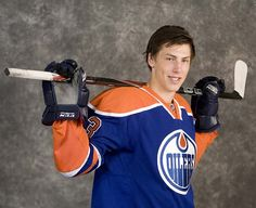 Get the latest NHL hockey news including videos, scores and schedules. Hockey News, Edmonton Oilers, National Hockey League, Lady And Gentlemen, Hockey Players, Ice Hockey, Interesting Stuff, Favorite Things, Guys