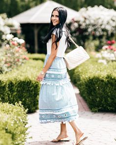 "Rach Parcell (Pink Peonies) on Instagram: ""Easy breezy in blue and white! ✨ Link in bio to see the full post on my blog!!! http://liketk.it/2rKl9 #liketkit @liketoknow.it"""