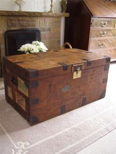 Antique Vintage Wooden Steamer Trunk Suitcase Coffee Table Blanket Box