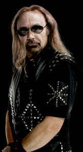 Happy Birthday Ian Hill Ian Frank Hill is a founding member and bassist for the Birmingham-based Grammy award winning heavy metal band, Judas Priest. Judas Priest, Metallica Concert, Female Drummer, Rob Halford, Metal Health, Defender Of The Faith, Soul Jazz, Tribute, Musica