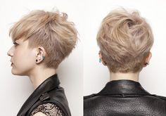 ラフ&ルーズな仕上がりが魅力の個性的なショートヘア。