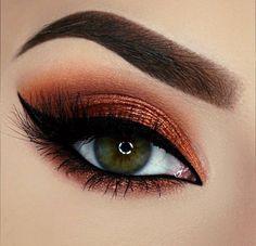Makeup Art, Hair Makeup, Eyebrows, Eyeliner, Makeup Goals, Makeup Tips, Green Eyes, Beautiful Eyes, Beautiful Eye Makeup