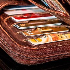 Le porte-monnaie est le détenteur de notre argent et le reflet de notre situation financière. Suivez ces quelques conseils pour avoir un porte-monnaie Feng Shui et stimuler la prospérité de vos finances !