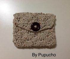 Coin purse. Free pattern from wollymamas blogspot