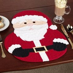 Santa Shaped Placemat Set Red Set of Four Christmas Placemats, Christmas Sewing, Felt Christmas, Christmas Holidays, Christmas Ornaments, Christmas Projects, Holiday Crafts, Deco Table Noel, Theme Noel
