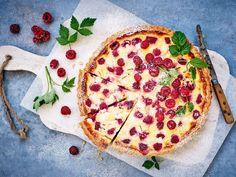 Vadelmapiirakka Something Sweet, Pepperoni, Vegetable Pizza, Baking, Vegetables, Desserts, Food, Candies, Party