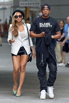 Street style: beyonce jay z Beyonce E Jay Z, Beyonce Style, Beyonce Knowles, Beyonce Coachella, Destiny's Child, Celebrity Couples, Celebrity Style, Hollywood Couples, Celebrity Pictures