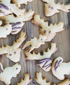 HERBSTGUETZLIich wünsche dir einen GEMÜTLICHEN ABENDschau mal in meine INSTASTORY dort gibts ein cooles DIY #eveningslikethis #guetzli #cookies #foodstyle #autumn #feedfeed #instafoodie #foodstyle #foodporn #foodgasm #foodstagram #foodblogger #swissblogger #backen #herbst #hirsch #reh #enjoythelittletings