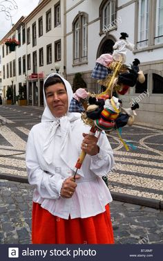 Dh Funchal Madeira Traditional Costumed Folk Singer With Instrument Stock Photo, Royalty Free Image: 21913375 - Alamy