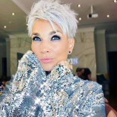Beautiful Pixie Cuts for Older Women 2019 – The UnderCut Beautiful Pixie Cuts for Older Women 2019 – The UnderCut,Short hair styles Pixie-Haircut Beautiful Pixie Cuts for Older Women 2019 Related Neueste Kurzhaarschnitte. Women Pixie Haircut, Pixie Haircut For Thick Hair, Funky Short Hair, Short Grey Hair, Haircut For Older Women, Short Pixie Haircuts, Short Hair Cuts For Women, Short Pixie Cuts, Blonde Pixie Haircut