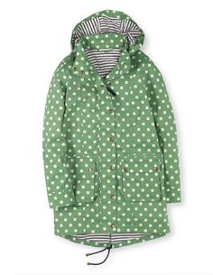 Browse our range of coats and jackets for women. From lightweight jackets to cosy coats in soft wool-blends, discover outerwear for everywhere at Boden. Hipster Fashion, Girl Fashion, Green Parka Coat, 50 Style Dresses, Spring Jackets, Fashion Project, Blazer, Autumn Winter Fashion, Beautiful Outfits