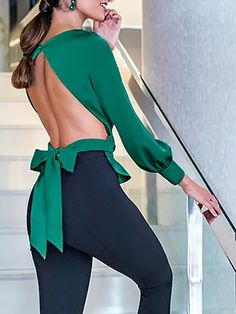 Fabulous Bowknot Design Open Back Blouse in Jade Green. This is sexy and elegant at the same time. Perfect to show off a summer tan. Sexy Outfits, Sexy Dresses, Dress Outfits, Casual Outfits, Fashion Dresses, Cute Outfits, Sleeve Dresses, Backless Shirt, Backless Top