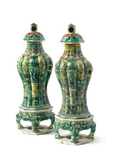 A PAIR OF SMALL CHINESE FAMILLE-VERTE GLAZED-BISCUIT LOBED BALUSTER VASES AND COVERS ON STANDS KANGXI PERIOD (1662-1722) Estimate 3,000 — 5,000 USD LOT SOLD. 15,000 USD 24/09/12 ||| sotheby's n08890lot49bkken Porcelain Ceramics, White Ceramics, Asian Decor, Oriental Design, Chinese Ceramics, Pottery Designs, Vintage Pottery, Asian Art, Auction