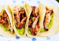 Descubre como preparar esta deliciosa receta de tacos de pollo siguiendo la tradicional receta de comida mexicana Ver ►Cómo Cocinar Tacos de Pollo.