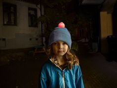 Children are difficult to see for motorists. Glow Ball's integrated red flashing LED turns on in the dark, and makes the child visible from the driver's viewpoint. The Glow Ball can easily be attached to all common hats, automatically turns on in the dark, and goes in to sleep mode if it lays still for more than 30 seconds. 30 Seconds, The Darkest, Winter Hats, Glow, Barn, Beanie, Sleep, Children, Red