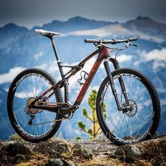 Jaroslav Kulhavy's S-Works Epic WorldCup bike with special paintjob for World Championship