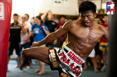 Buakaw Por Pramuk Allenamento Pre Match Con Pantaloncini Yokkao Boxing