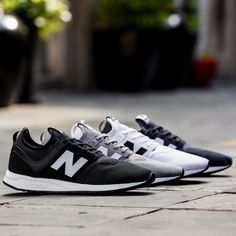 Designed with the modern urban lifestyle in mind, classic New Balance quality and craftsmanship is fused with modern performance-inspired details for a contemporary new style.