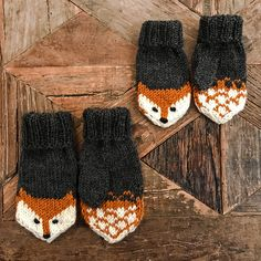 Fox mittens Ravelry: Fox mittens pattern by Eva Norum Olsen History of Knitting Yarn spinning, weaving and sewing jobs such as BC. Kids Knitting Patterns, Knitting Designs, Knitting Projects, Knitting Tutorials, Hat Patterns, Stitch Patterns, Knitted Mittens Pattern, Knit Mittens, Knitted Hats