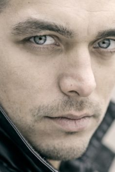 Waylon, erg mooie man, met mooie ogen en mooie stem
