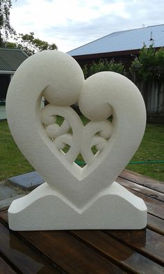 Look through our sculpture, memorial and headstone galleries. Brett specialises in Maori designs. Cemetery Monuments, Cement Art, Maori Designs, Nz Art, Art Drawings, Drawing Faces, Stone Statues, Maori Art, Hand Reference