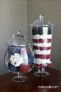 Memorial Day / of July Apothecary Jars, LOVE these because you can customize for each season/holiday: red kidney beans, northern beans, and black beans used to create display. Fourth Of July Decor, 4th Of July Decorations, 4th Of July Party, July 4th, Table Decorations, Reception Decorations, Patriotic Crafts, July Crafts, Holiday Crafts