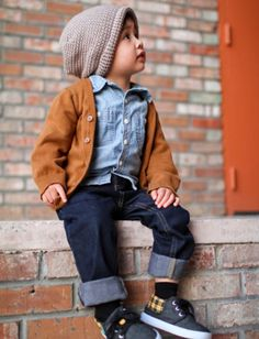 little hipster baby!! daww