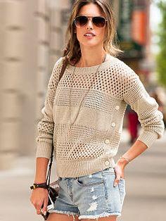VS Open-Stitch Sweater & Cut-off Boyfriend Short