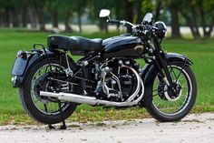 Vincent, the most sexiest bike made.