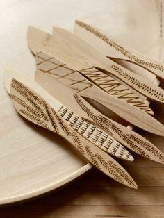 DIY med doft av slöjdsal: TERAPI smörknivar har fått fina mönster.