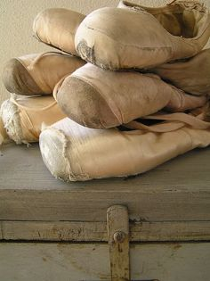 I have my very first pointe shoes hanging on my wall. I miss ballet Pointe Shoes, Ballet Shoes, Dance Shoes, Toe Shoes, Ballet Feet, Ballet Dancers, Dance Like No One Is Watching, Just Dance, Vintage Ballet