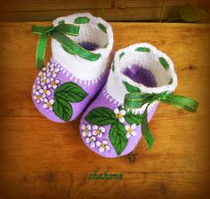 lilac flowers Baby Booties - Baby winter boots - made of 100% wool baby booties - Newborn booties - Felted baby booties - Baby -Infant Shoes by FeitBySHAHSNE on Etsy
