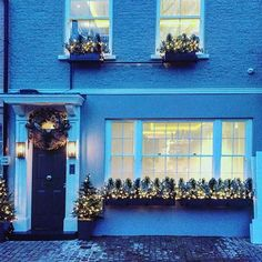 Festive #mewsings start right here!!!  imagining piping hot mulled wine, a little log burner and a quilted blanket to tuck up in ❤️❤️❤️ @disastersofathirtysomething #mewsings