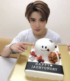 """ NCT_OFFICIAL_JP: 'NEO CITY : JAPAN – The Origin' tour in Hiroshima has finished! We're thankful for all the help with today's birthday surprises! Here is Johnny, who was already pretending to slice. Jaehyun Nct, Winwin, Wattpad, Valentines For Boys, Jung Jaehyun, Jung Woo, Ji Sung, Hiroshima, Kpop Boy"