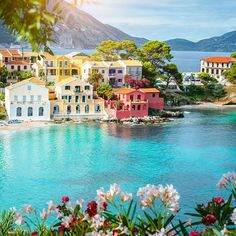 Looking for the sandiest beaches, most stunning coastal scenery, and the nicest beach resorts in Greece? Here are 50 of the best places for a beach vacation in Greece. Beach Vacation Spots, Beach Resorts, Holiday Destinations, Travel Destinations, Greece Holiday, Hidden Beach, Most Beautiful Beaches, Beautiful Things, Destin Beach