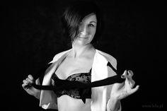 Fotografia kobiet - sesje klasyczne boudoir. Zapraszam Panie z Jeleniej Góry i okolic do mojego studia fotograficznego.