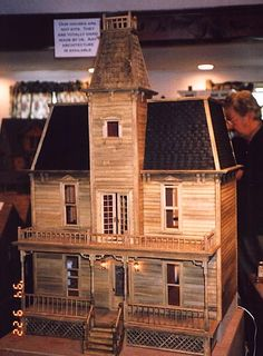haunted dollhouse #halloweendecor